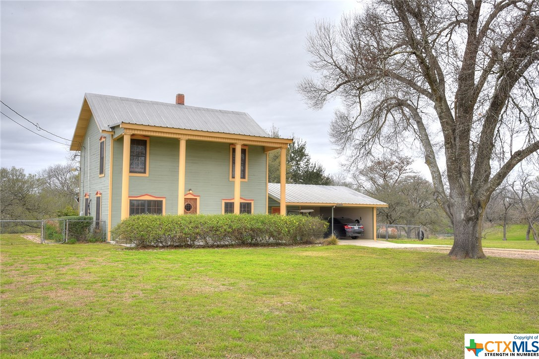 715 River Martindale, TX