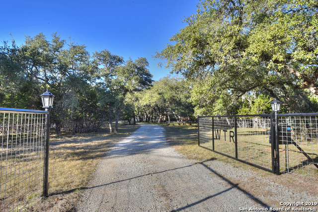 1458 A Rio Ranchero Pipe Creek, TX