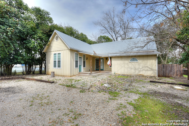 602B 10th Street Bandera, TX