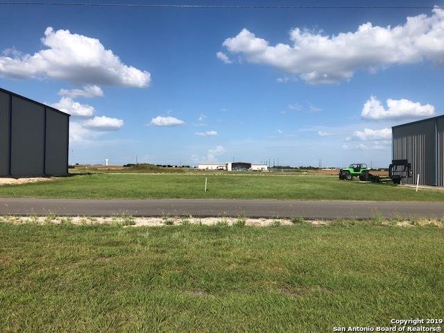 293 Beechcraft Ln Seguin, TX