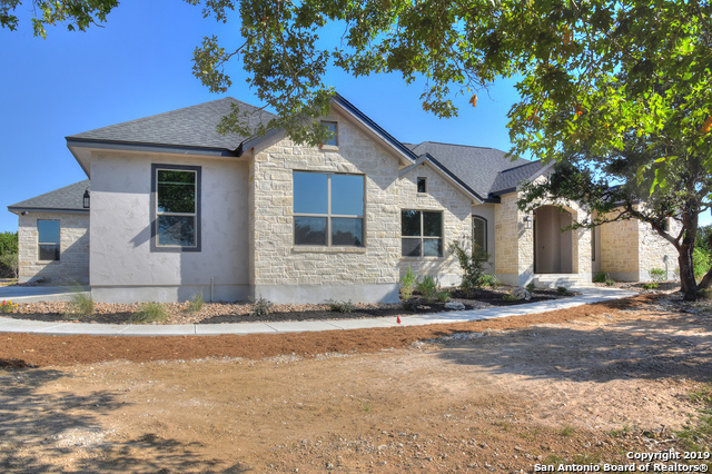 112 Rolling View Dr Boerne, TX
