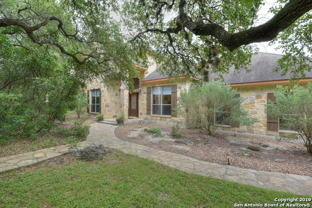 915 RIVER CHASE DR New Braunfels, TX